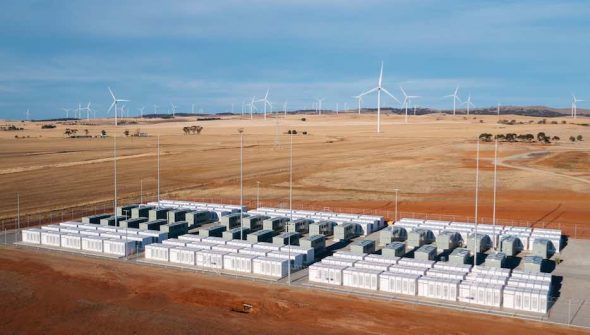 Tesla's giant 100mw battery in South Asutralia